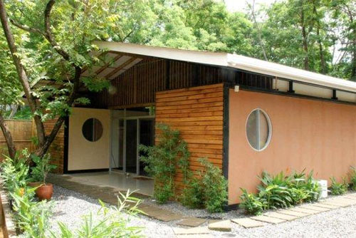 container-homes- container-homes-for-the-tropics-in-costa-rica-1